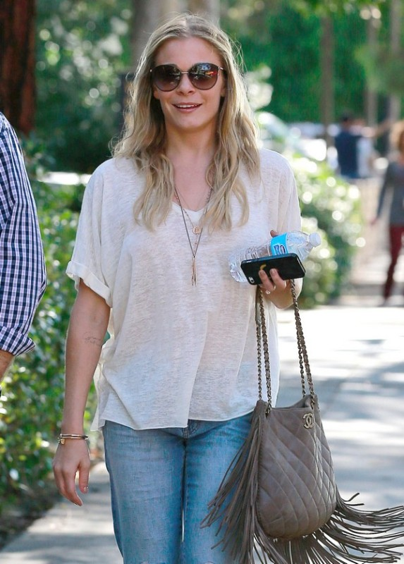 LeAnn Rimes Running Some Errands In Burbank