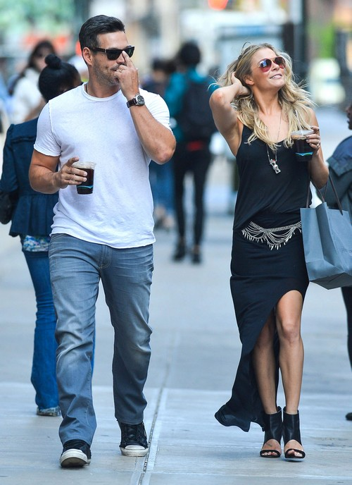 LeAnn Rimes & Eddie Cibrian Out Shopping In New York