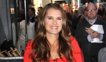 """Brooke Shields Pays Tribute To Her Mother """"She Made Me Who I Am Today"""""""