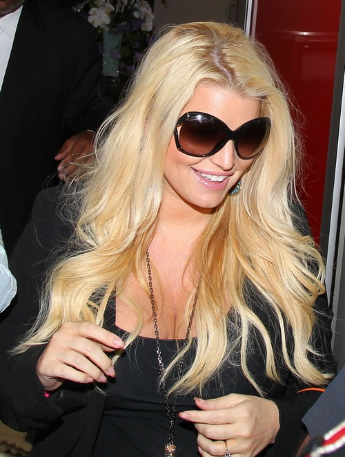 Jessica Simpson Believes Her Father is Going Through a Gay Phase