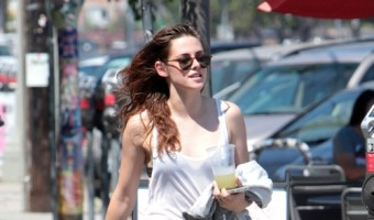 Kristen Stewart Turning To Buddhism To Cope After Robert Pattinson And Riley Keough Hookup