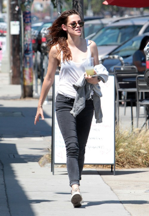 Kristen Stewart Out And About In Glendale