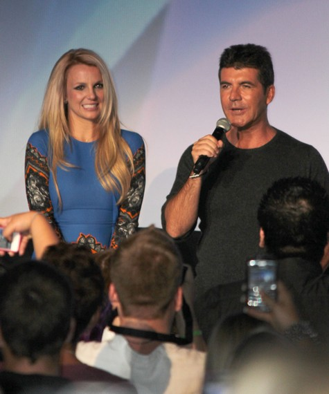Britney Spears Huge Crush On Simon Cowell  She Doesnt Like His New GF Carmen Electra