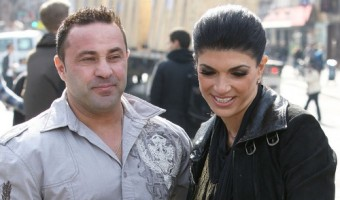RHONJ Theresa And Joe Giudice Actually Found Someone Dumb Enough To Go Into Business With Them