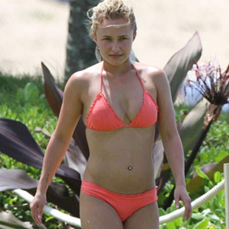Hayden Panettiere Wears A Skimpy Orange Bikini In Hawaii (Photo)