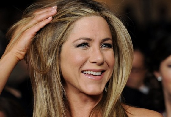 Jennifer Aniston Calls Justin Theroux A Cheater
