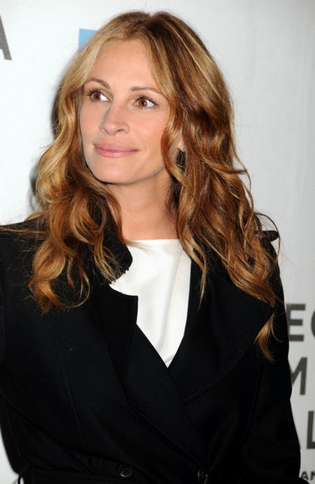 Julia Roberts Says Wearing Bird Poop Is Torture