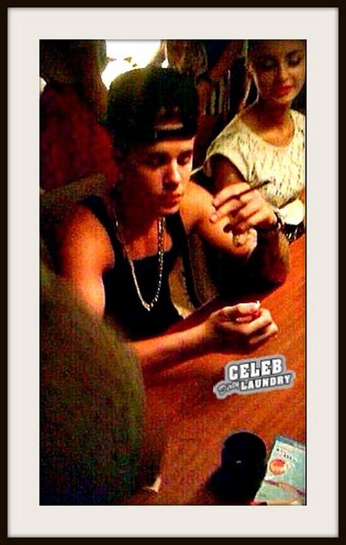 Justin_Bieber_weed (2)