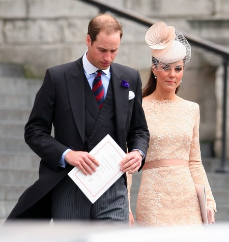 Kate Middleton Fakes It at Diamond Jubilee (Photo)