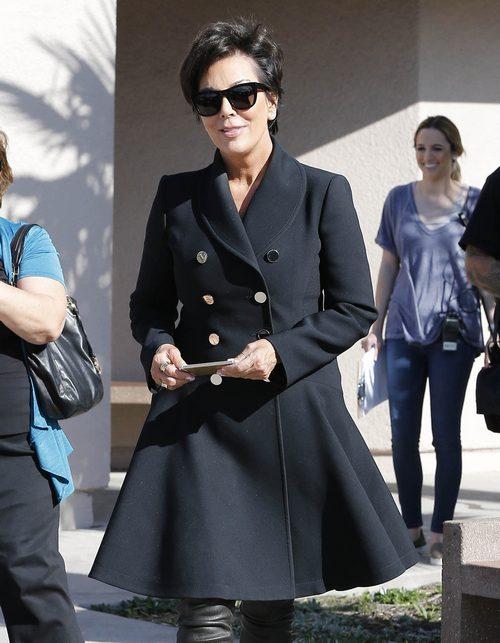 Kim Kardashian & Kris Jenner Film In Thousand Oaks