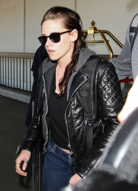 Kristen Stewart Just Cant Control Her Impulses