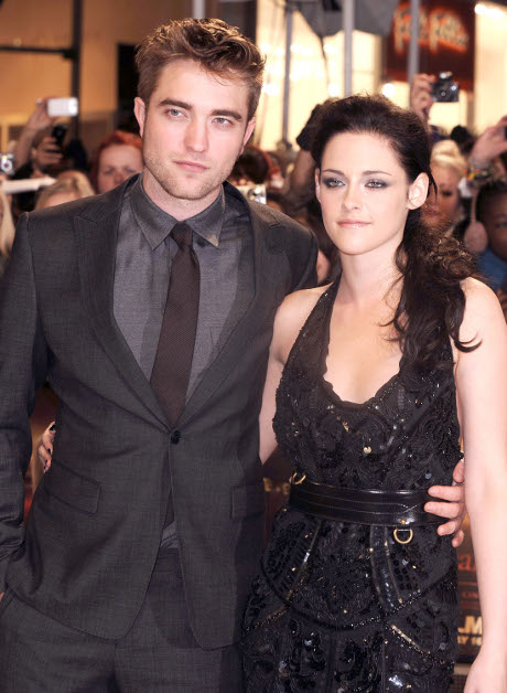Kristen Stewart and Robert Pattinson Have a lot of Raunchy 'Fifty Shades of Grey' Style Sex!