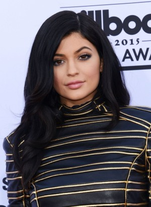 Kylie Jenner And Selena Gomez Working On A Song Together – KUWTK Star Trying TO Ride SelGo's Coattails