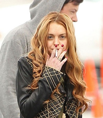 Lindsay Lohan's Publicist Claims She Was Not Late To 'Glee' Set, Adds That People Give Her A Hard Time Due To Her Troubled Past