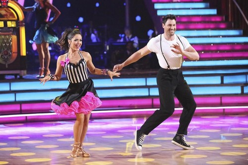 DWTS 2014 Guest Judge Julianne Hough Calls Maksim Chmerkovskiy Out After His Jive With Danica McKellar