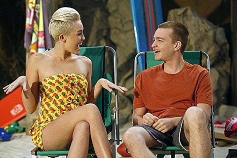 Miley Cyrus Supports Angus T Jones Rant Against Two And A Half Men, &quot;Respects His Beliefs&quot;