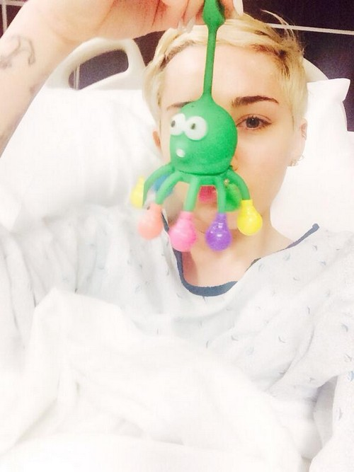 Miley-Hospitalized