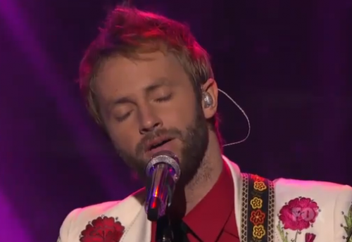 American Idol Top 11: Paul McDonald Retires Suit After Rocket Man – Video