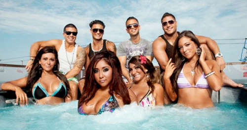 'Jersey Shore Italy' Ronnie Beats The CRAP Out of The Situation – PHOTOS