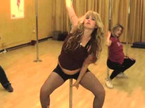 Christina Applegate Pole Dancing Photos