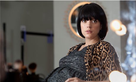 Lily Allen Suffers Miscarrige
