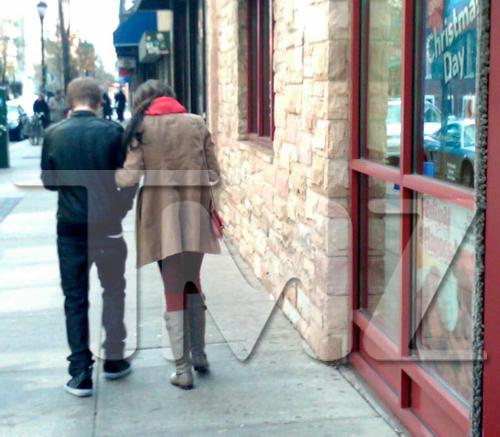 Justin Bieber and Selena Gomez at IHOP