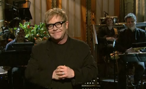 Saturday Night Live: Elton John Opening Monologue Made Me Squirm – VIDEO