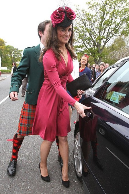 Pippa Middleton Lady Red: At Friend's Wedding In Scotland (Photos)