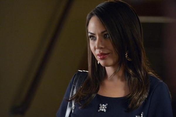 "Pretty Little Liars Season 5 Finale ""Taking This One To The Grave"" REVIEW"