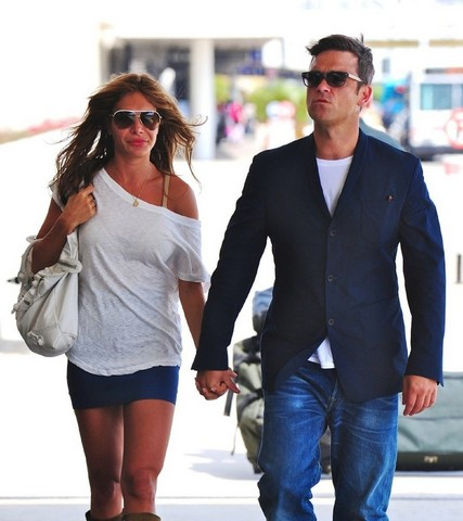 Robbie Williams Ayda Field Pregnant