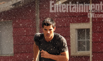 LOOK: Entertainment Weekly Unveils 'Breaking Dawn' Covers and Movie Stills
