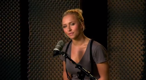 Hayden Panettiere Charging Fans For Autographs and Photos