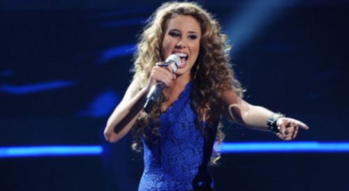 American Idol: Haley Reinhart Falls on Stage &#8211; VIDEO