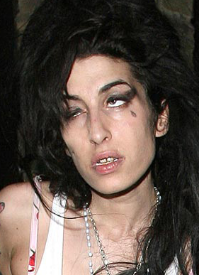 Amy Winehouse Returns To Rehab, Stops For Vodka On Her Way In
