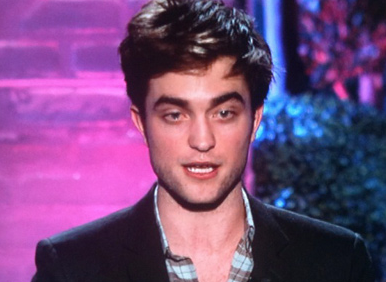 Robert Pattinson Drops F Bomb ON MTV Movies Awards 2011