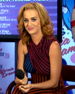 Katy Perry Bonde Hair Photos
