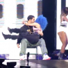 Nicki Minaj Gives Drake A Lap Dance