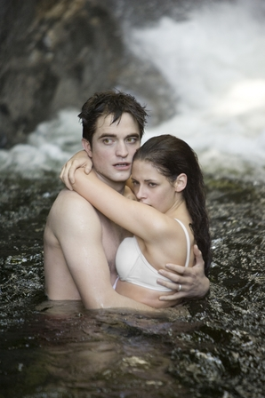 'Breaking Dawn Part 1′ TV Spot is Rad!