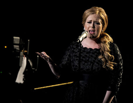 2011 VMAs: Adele OWNS The Stage 'Someone Like You' Video
