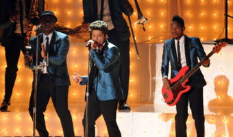 VIDEO: Bruno Mars Pays Tribute to Amy Winehouse at VMAs 'Valerie'
