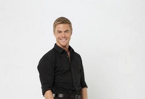 Lauren Conrad and Derek Hough Pack On The PDA