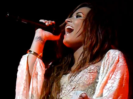 Demi Lovato Covers Lil Wayne 'How To Love' – VIDEO