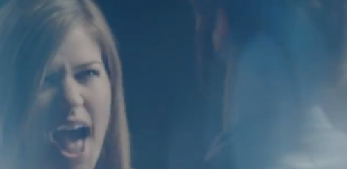 Kelly Clarkson &#8216;Mr. Know It All&#8217; Official Music Video ROCKS