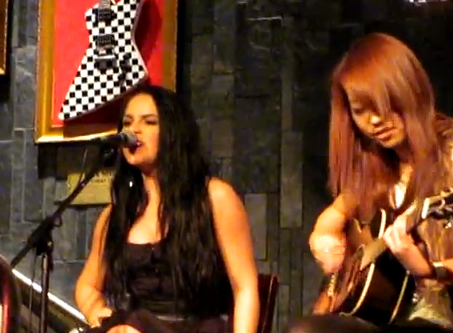VIDEO: JoJo Covers 'Paparazzi' at Hard Rock, and OWNS It