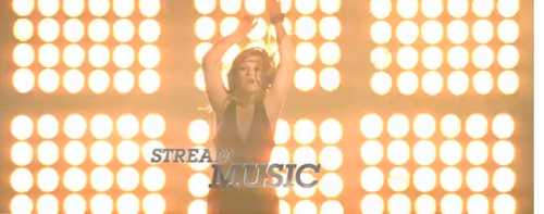 Check Out Kelly Clarkson in a Toyota Camry Commercial!