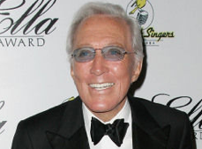 Singer Andy Williams Fighting Cancer, Taking a Break Till Next Season