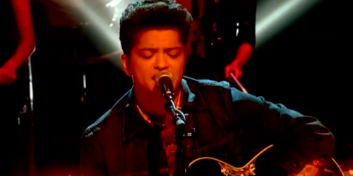 Bruno Mars 'Marry You' – 2011 MTV EMAs – VIDEO