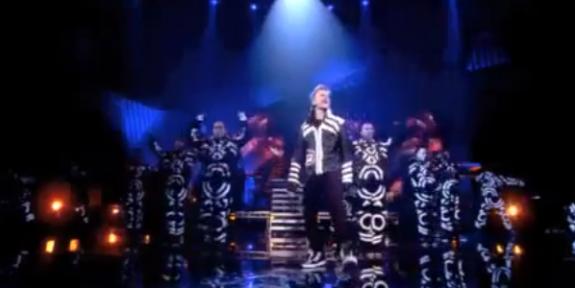 Justin Bieber - 2011 EMAs Performance