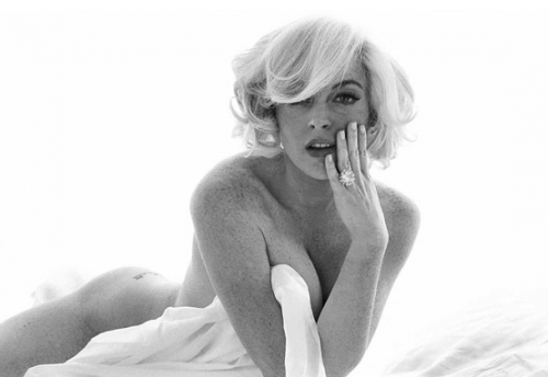 "Lindsay Lohan Loves the ""Overcrowding Law"" While She Gets Naked"