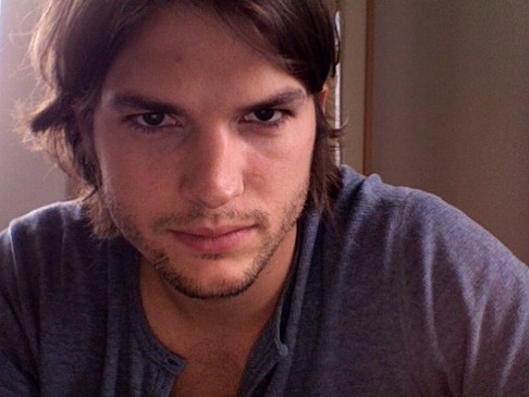 Ashton Kutcher Quits Speaking For Himself on Twitter, Management Takes Over